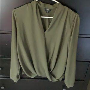 Tops - Cute green blouse!